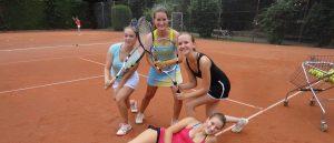 Erfolgreiche Nachwuchs-Mannschaften des TC Liederbach und der Tennisschule Mitch del Valle